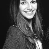Elisa R.